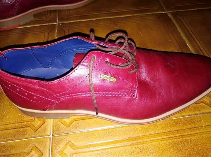 Zapatos de hombre, cuero