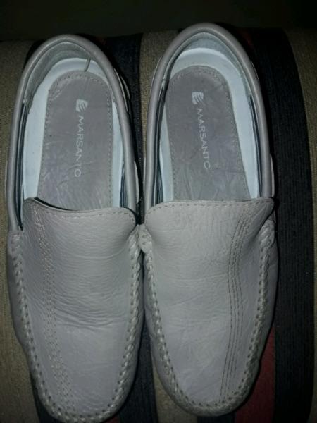 Zapatos náuticos impecables color beige número 41