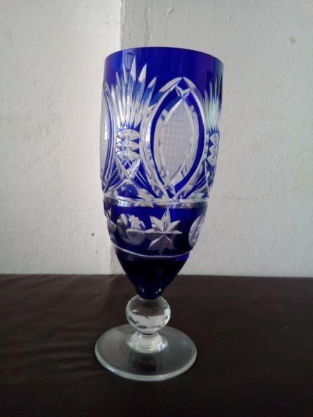 Bombonera antigua de cristal tallado