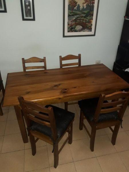 Juego de mesa y 6 sillas de pino