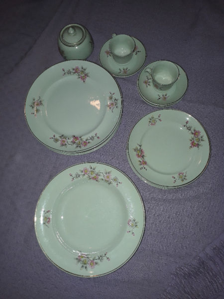 juego de vajilla de porcelana