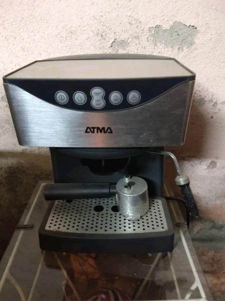 Cafetera express atma