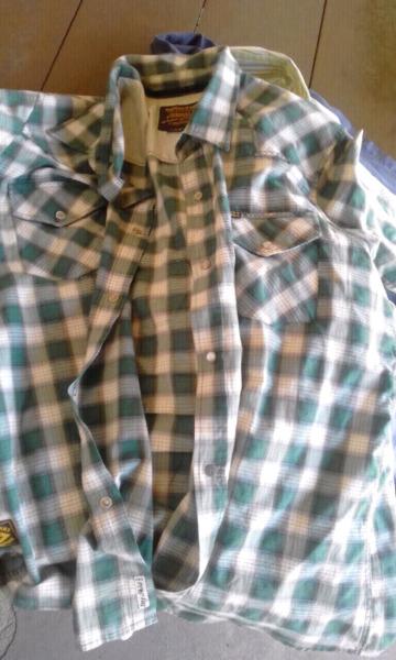 Camisa hombre de verano manga corta talle L