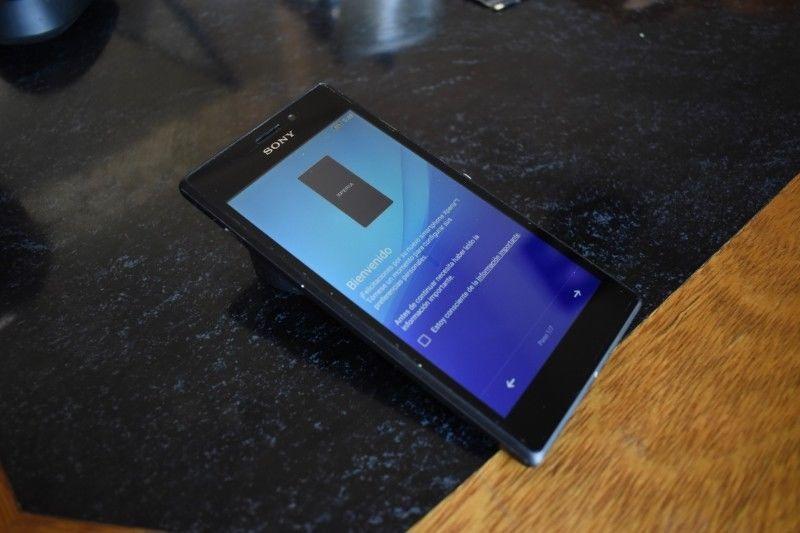 Vendo celular Sony Xperia M2 con pequeño detalle en