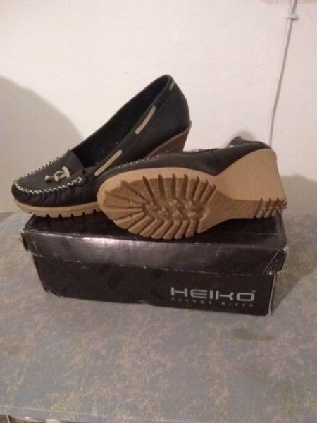 Zapatos de cuero sin uso No 37