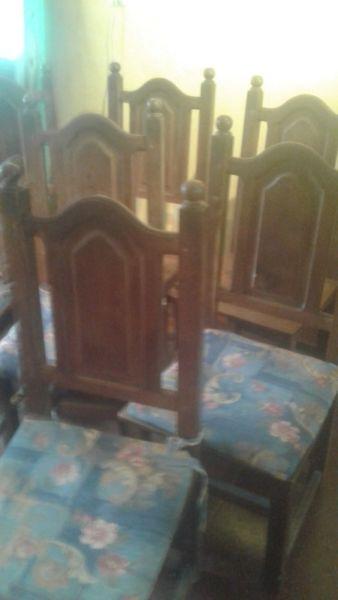 8 sillas de algarrobo en perfecto estado