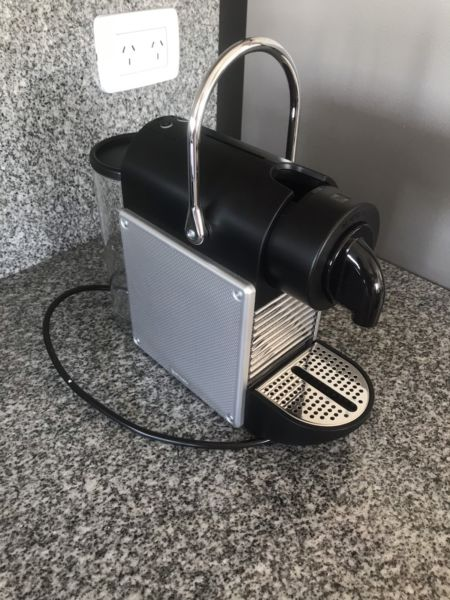 Cafetera nespresso pixie aluminium