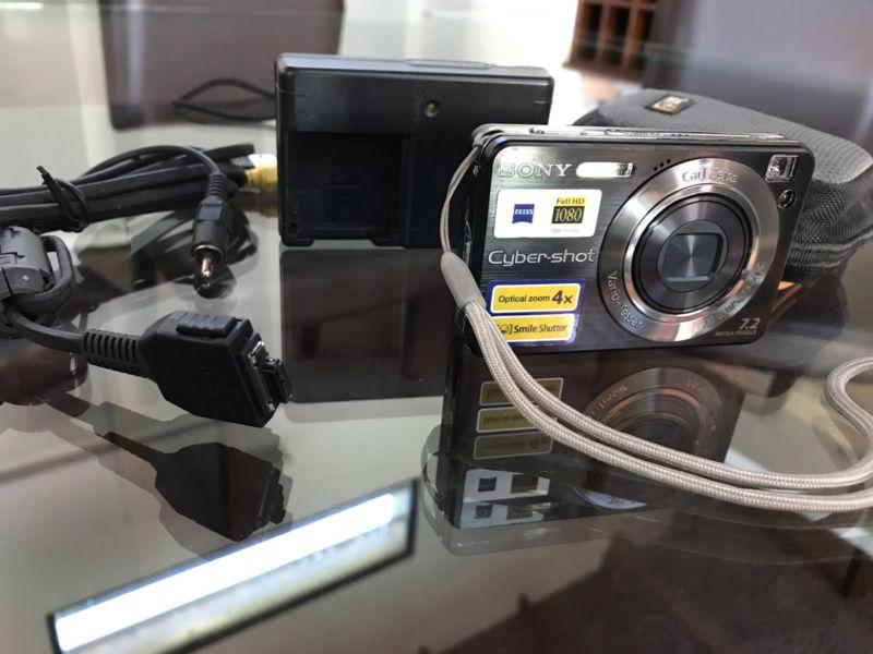 Cámara de fotos Sony Cybershoot 7.2 Mpx. Impecable