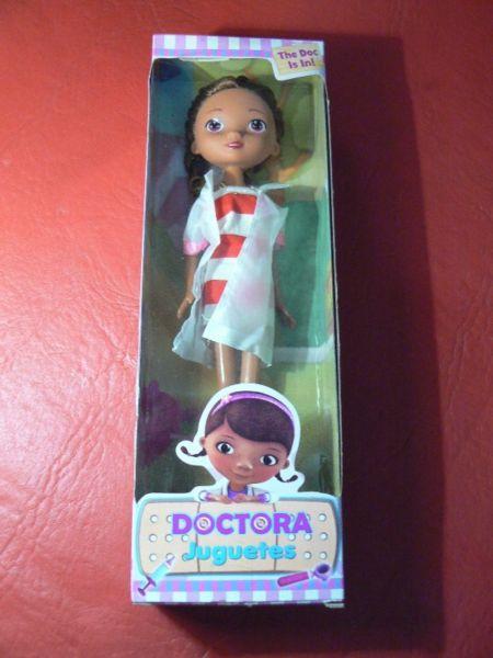 Hermosa Muñeca Articulada Doctora Juguetes de 24 cm Disney