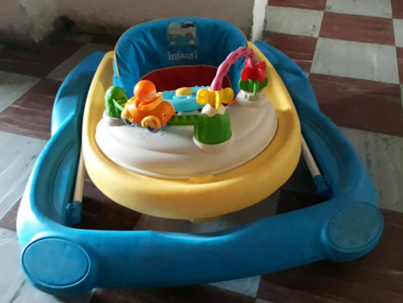 Vendo andador para bebe Infanti