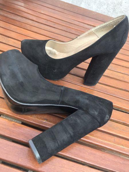 Zapatos para fiesta negros de gamuza