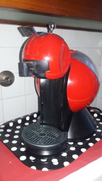 Cafetera Dolce Gusto. Excelente