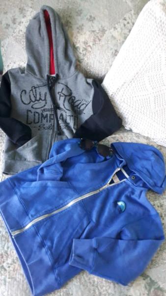 Campera MISTRAL azul talle  + campera gris con cierre