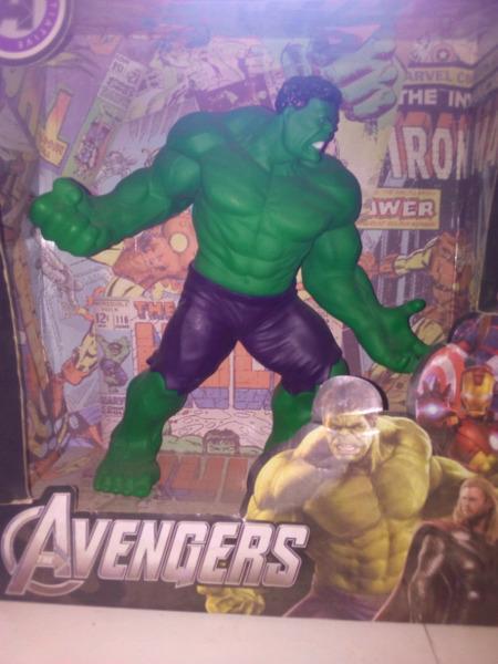 Hulk nuevo en caja