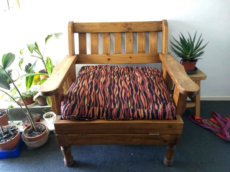 Sillon cama de madera de una plaza