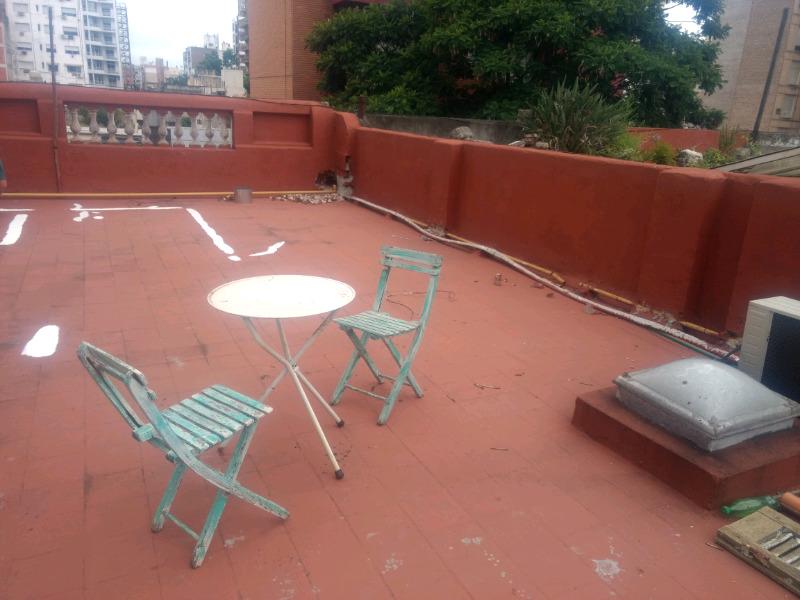 Juego de mesa y 2 sillas plegables