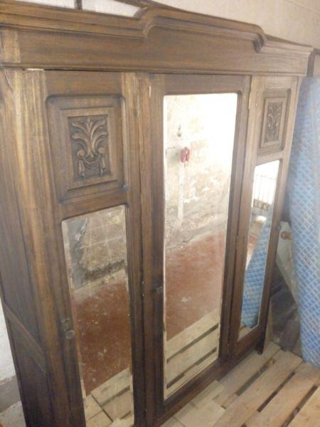 Ropero Antiguo Con Espejos Biselados