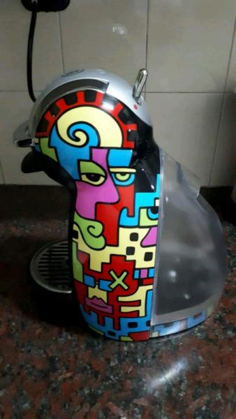 Cafetera Moulinex Nescafe Dolce Gusto. Edición Limitada