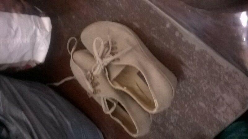zapatos de cuero hermosos casi nuevos mujer