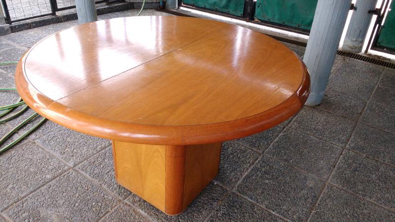 Mesa redonda extensible en madera de Roble