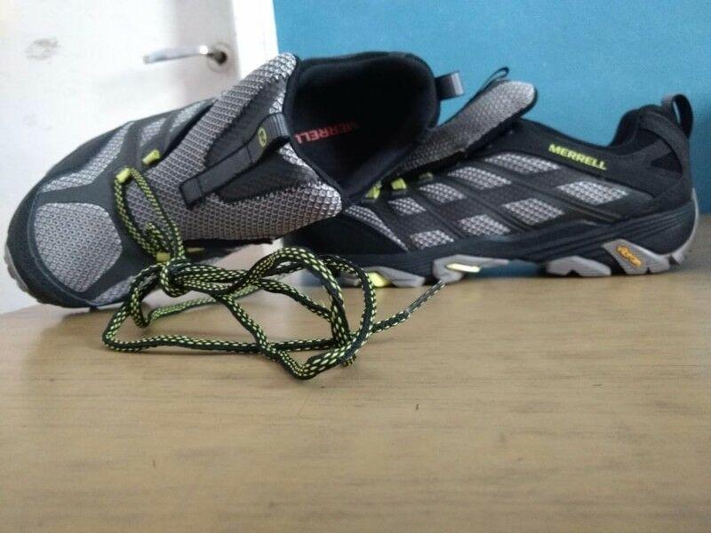 Vendo 1 par de zapatillas Merrell nuevas sin uso a $