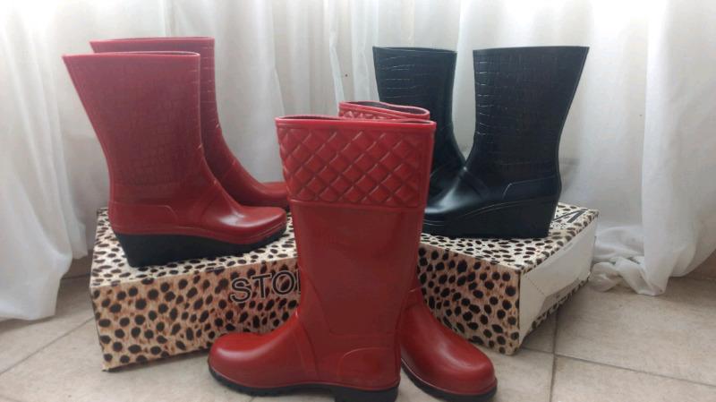 Botas de lluvia para mujer, disponibles en NEGRO y ROJO