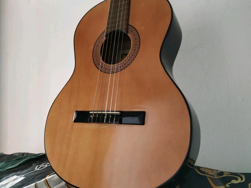 Guitarra Clásica Gracia M2 La versión más cara del