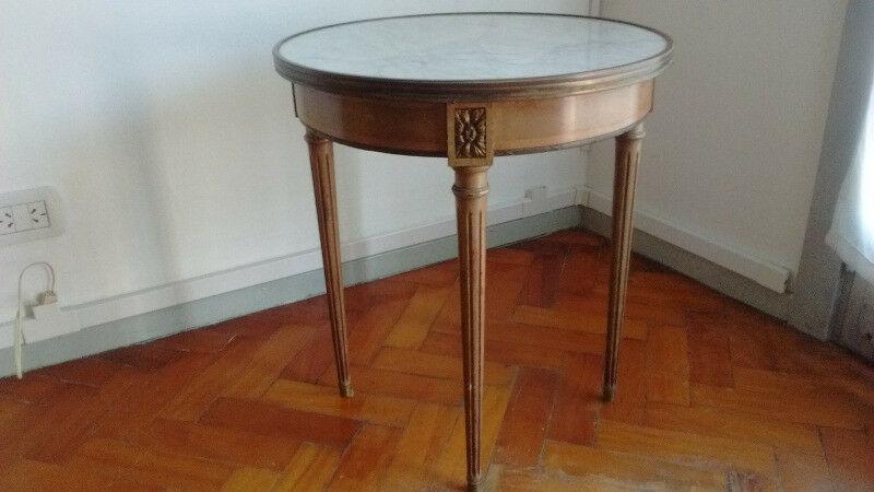 Mesa ratona antigua estilo francés