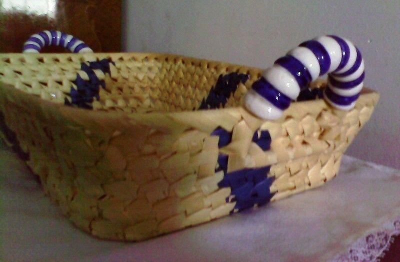 Panera o frutera con manijas de ceramica