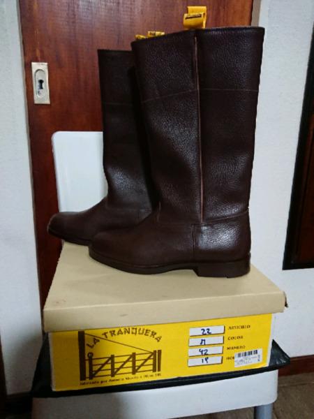"""Vendo par de botas de cuero marca """"La Tranquera"""""""