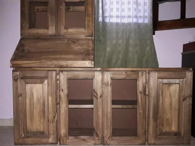 Alacena + bajo mesada de madera de pino