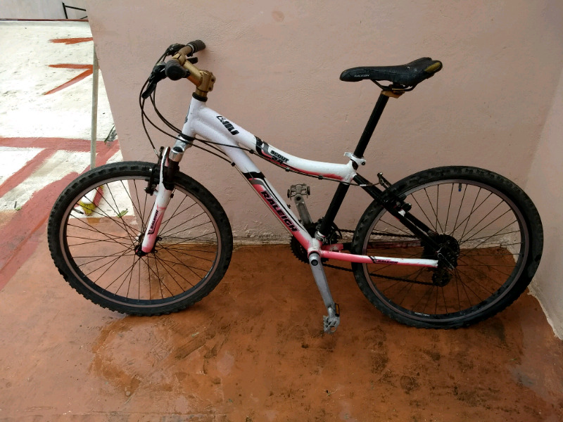 Bicicleta RELEIGH rodado  cambios) usada en buen