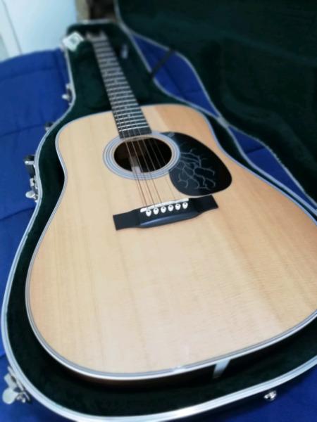 Guitarra acústica Martín D- USA igual a nueva.