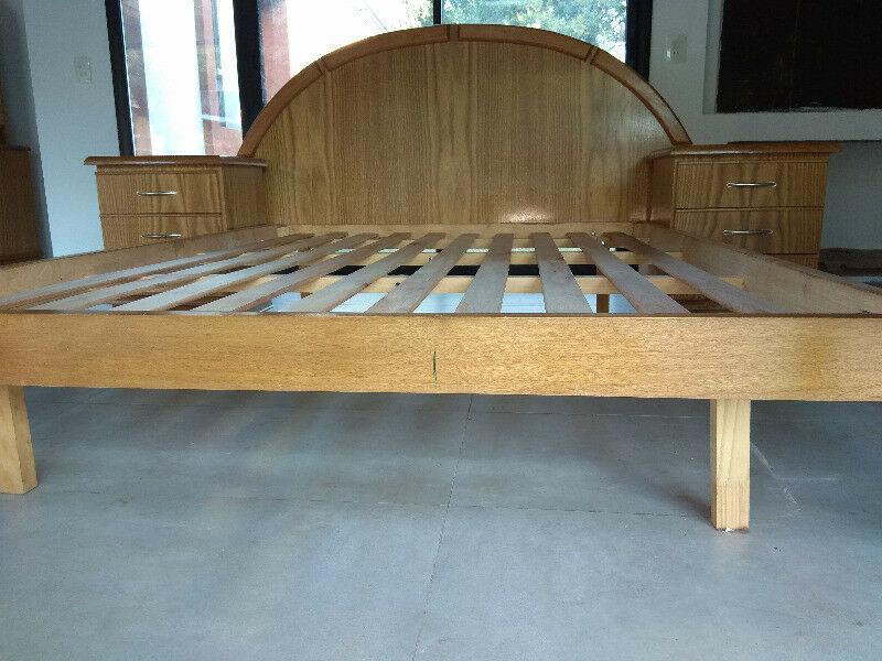Juego de dormitorio de 2 plazas (cama, mesitas, cómoda,