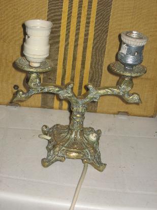 antiguo velador de bronce 2 luces