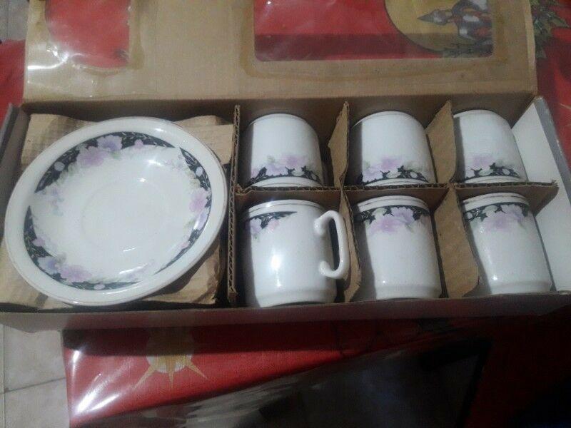Juego De Te De Porcelana Fina.nuevo