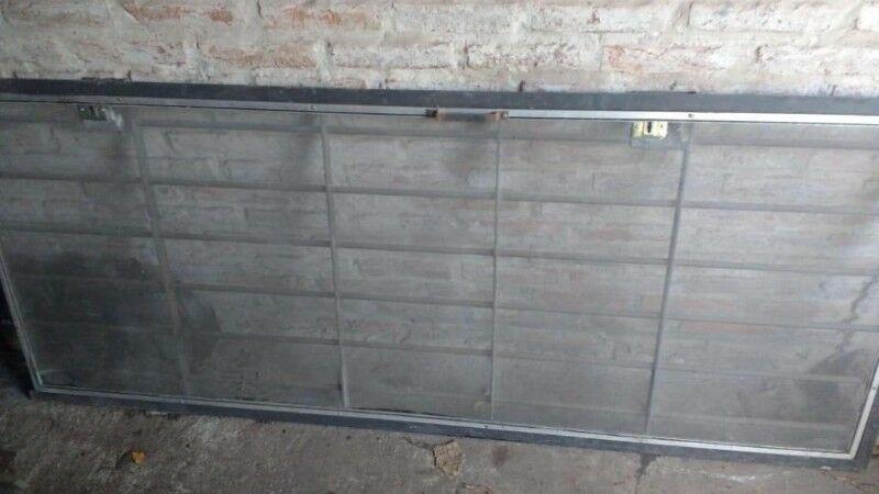 Puerta/reja de hierro con mosquitero 2,00 x 0,80m