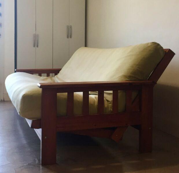 Futón de madera 3 cuerpos - 2 plazas muy buen estado