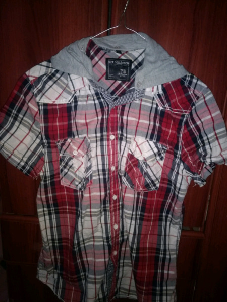 Remeras y camisas de hombre