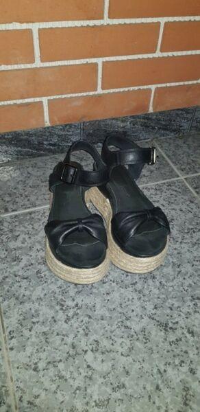 Sandañias de cuero MAGGIO ROSETTO