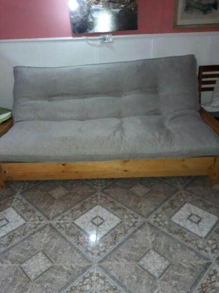 Vendo futon tres cuerpos