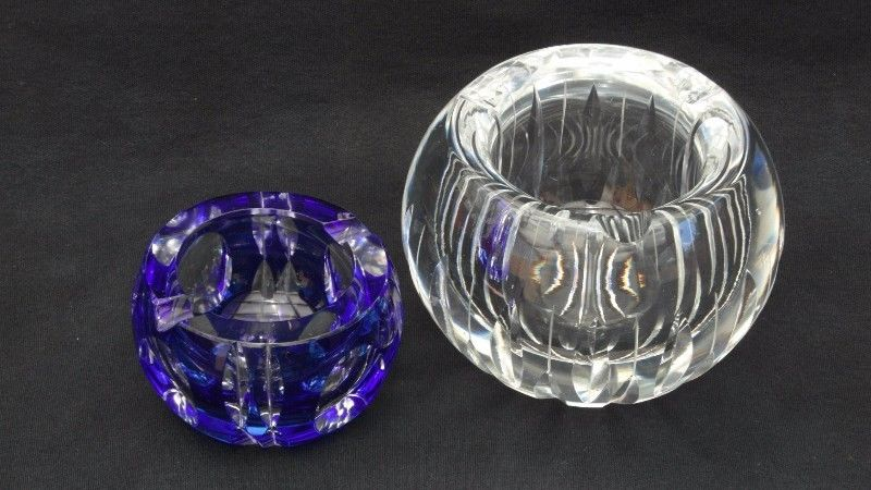 ceniceros de cristal tallado a mano. (dos)