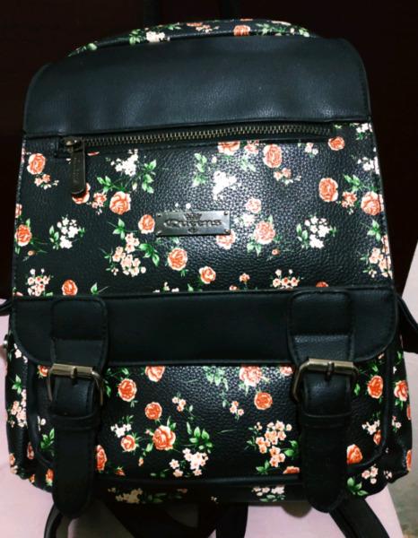 Cartera/mochila de cuero