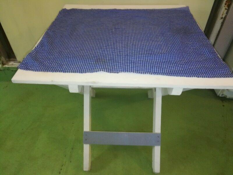 Vendo Mesa plegable matera de madera