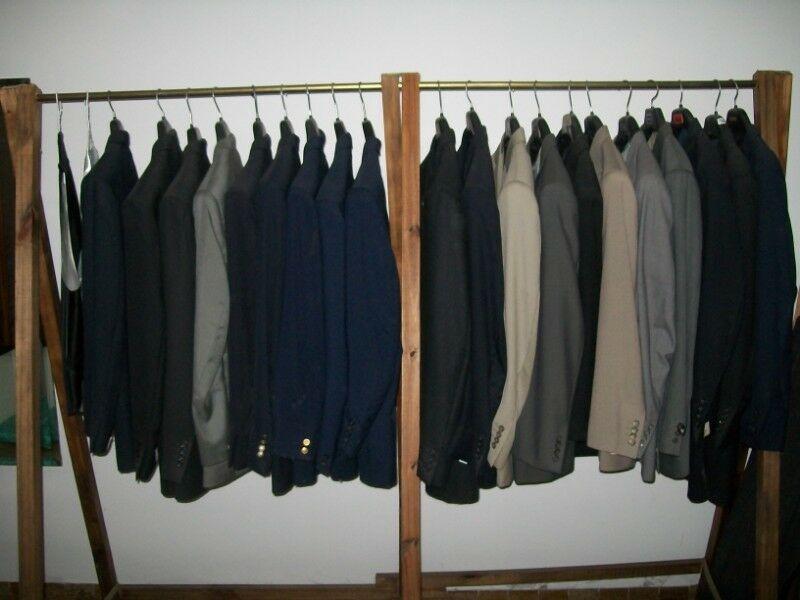 Vendo lote completo de sacos, trajes y ambos (TALLES