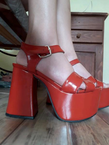 Zapatos rojos talle 37