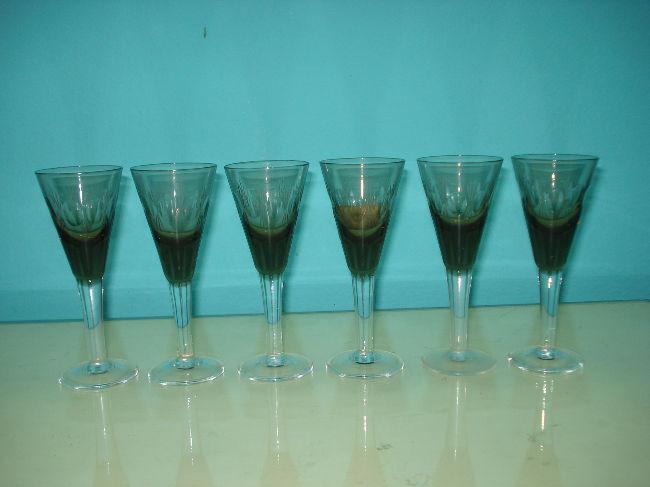 6 copas antiguas de cristal fino tallado a mano. excelente