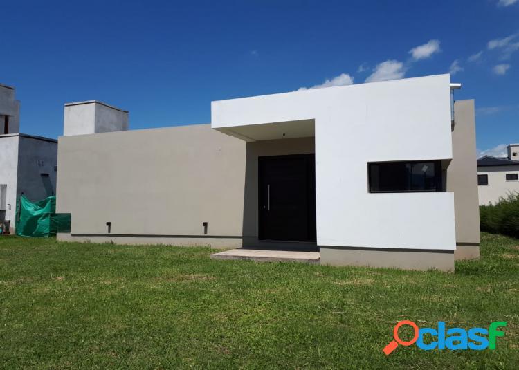 Casa de 2 Dormitorios en venta en Las Quintas 1.