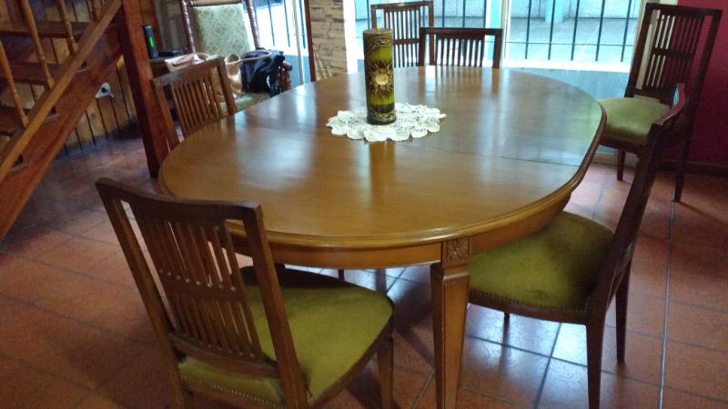 Juego de mesa y sillas de estilo inglés impecable opcional