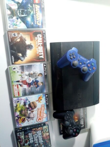 PS3 SUPER SLIM 500GB/ 2 JOYSTICKS/6 JUEGOS FISICOS